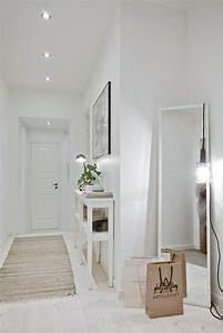 les 25 meilleures idees de la categorie couloir blanc sur With decoration de couloir avec escalier