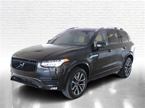 volvo xc offers lots  cargo space  stylish