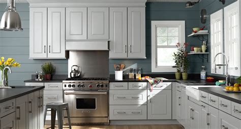 painting kitchen cabinets antique white maple cabinets painted white images