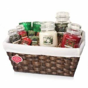 Yankee Candle Gift Basket Assorted Christmas Scents and