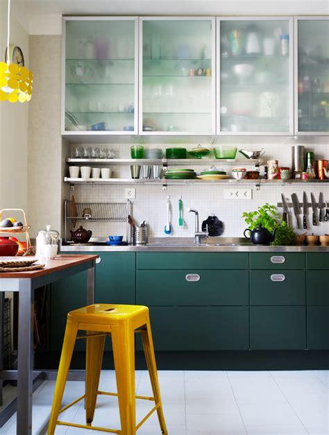 green kitchen ideas k 246 k retro m 229 la om luckor gr 246 nt foto patric johansson 5043