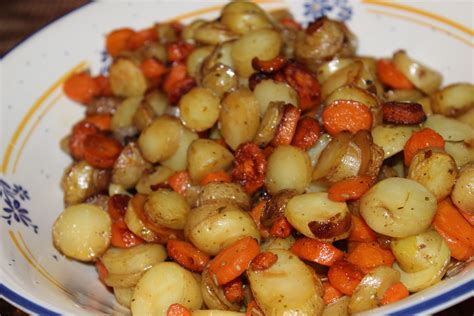 cuisiner pomme de terre nouvelle recette carottes et pommes de terre nouvelles sautées