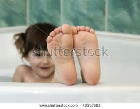 bath time fotos im 225 genes y retratos en stock