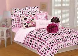 Pink Bedroom Set by 14 Cute Pink Comforters For Teen Girls And Girly Ladies