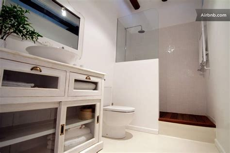 chic apartment  barcelonas leixample district