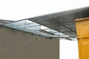 Glas Für Terrassenüberdachung Preis : abgeh ngte filigrane berdachung aus stahl und glas ~ Whattoseeinmadrid.com Haus und Dekorationen