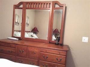 Keller solid oak queen bedroom set furniture in tampa fl for Bedroom furniture sets tampa fl