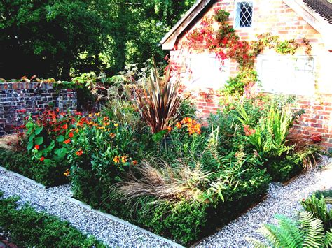 Beautifully Idea Small Front Yard Landscaping Ideas On A