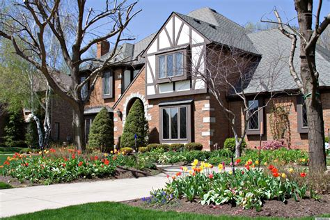 7 Ways To Determine A Home's Architectural Style
