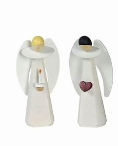 Kerze Mit Herz : engel mit kerze engel mit herz ~ Markanthonyermac.com Haus und Dekorationen