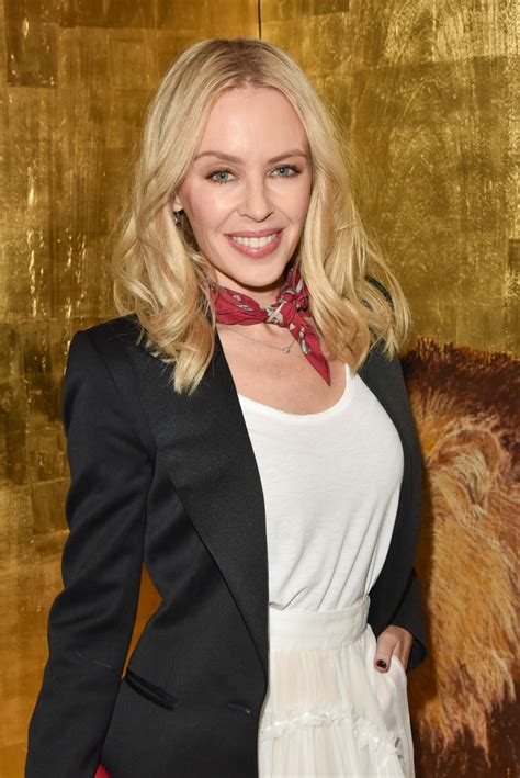 Kylie Minogue Style and Fashion Inspirations - Retour 'D ...