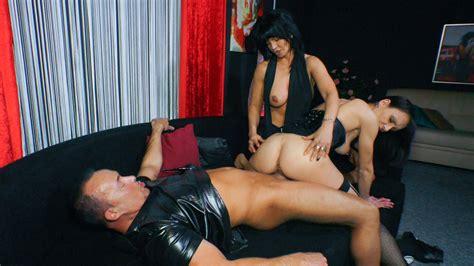 Reife Swinger Kinky German Threesome With Slutty Mature