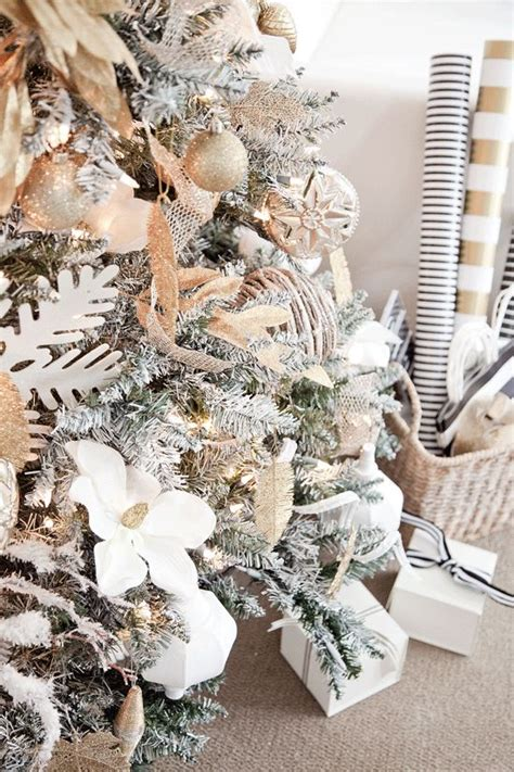 Pink Flocking Spray For Christmas Trees by Best 25 White Christmas Ideas On Pinterest Natural