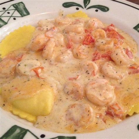 lobster ravioli olive garden olive garden mezza ravioli w shrimp foodspotting