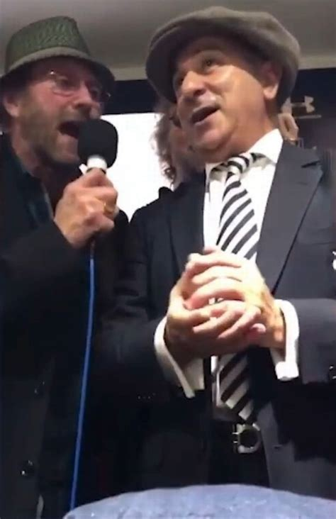 Chas and Dave turn up for singalong with Spurs legends ...