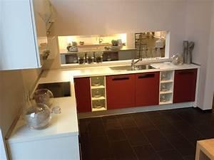 L Küche Mit Theke : q06 winkelk che mit theke hochschr nken in rot und wei ~ A.2002-acura-tl-radio.info Haus und Dekorationen
