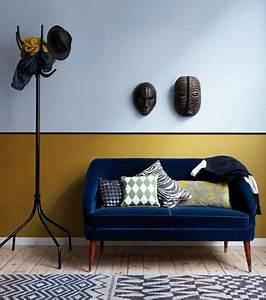 salon murs 2 couleurs ocre jaune bleu design monaco et With tapis ethnique avec petit canapé bleu