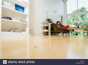Entspannen Zu Hause : paar zu hause entspannen stockfoto bild 14720949 alamy ~ Buech-reservation.com Haus und Dekorationen