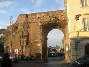Porta Portese  Rome  Italy   Address  Free Flea  U0026 Street