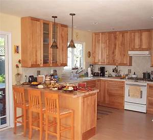 Small kitchen remodeling taking advantage of the room for Kitchen remodels for small kitchens