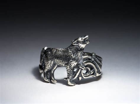 Howling Wolf Ring, Silver-plated Brass, Adjustable Size