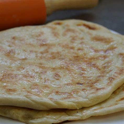 cuisine indienne cuisine indienne recette des naans au fromage pains