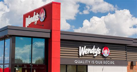 wendys franchisee carlisle adds   locations