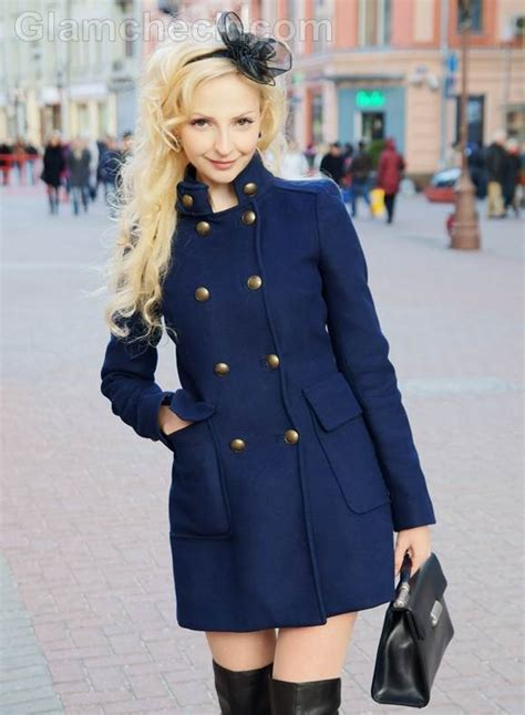 style picture   accessorize navy blue outfit