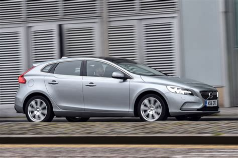 New Volvo 2016 by New Volvo V40 2016 Review Pictures Auto Express