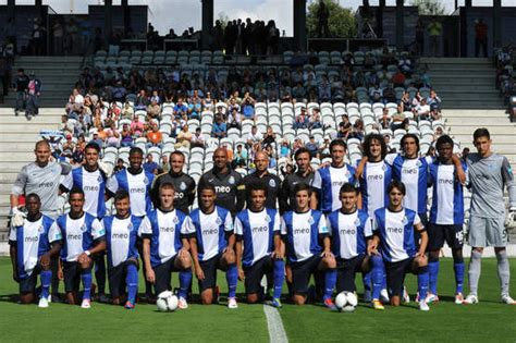 Football tips for benfica b v fc porto b our suggested bet prediction tip for this liga portugal 2 game located in portugal is a home win for benfica b.benfica b has 1.02 odds to win the football match, odds provided by probably the best online bookmaker, william hill.if you want to bet on this soccer game, our advice is to bet on a home win for benfica b. Tribuna Portista: Segunda Liga: FC Porto B - SL Benfica B (Antevisão)
