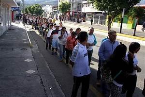 Los Venezolanos Se Toman La Ciudad Colombiana De C U00facuta Para Comprar Alimentos Y Medicinas