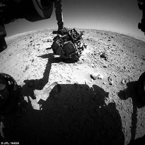 Has Nasa spotted a UFO on MARS? Rover images reveals ...