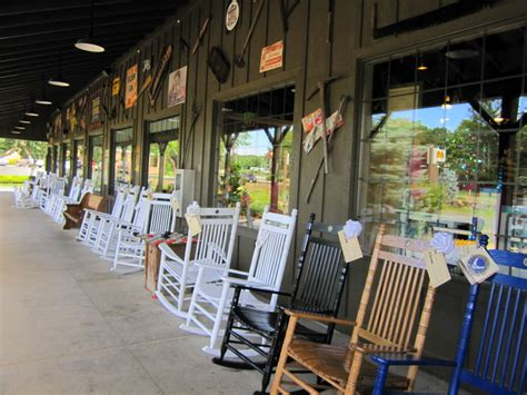 12 reasons cracker barrel is one of the best