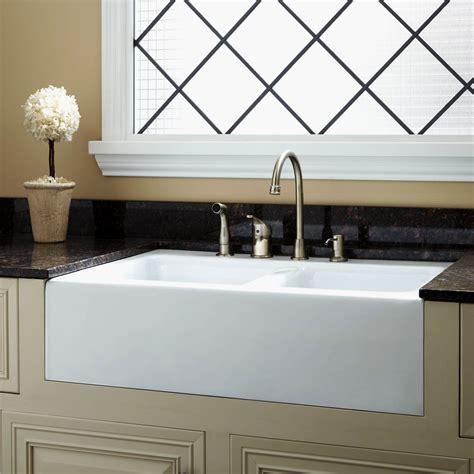 Elegant White Porcelain Undermount Kitchen Sink  Gl