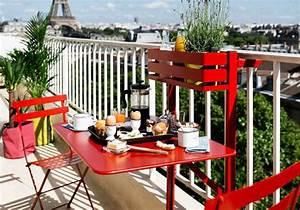 Table Pour Petit Balcon : am nager un petit balcon id es et astuces pour une d co r ussie ~ Melissatoandfro.com Idées de Décoration