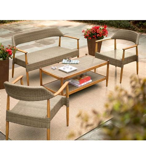 finding your outdoor living room furniture for your patio