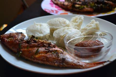 cuisine africaine camerounaise 17 meilleures images à propos de plats africains sur gombo riz jollof et cubes