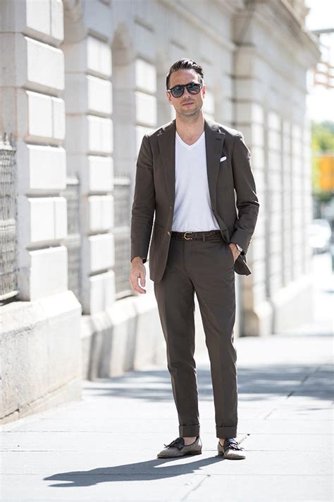 shirt unter blazer how to wear a suit with a t shirt he spoke style