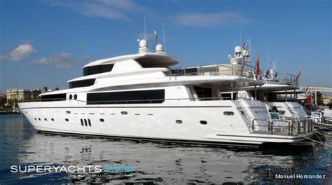 white shark  london johnson yachts motor