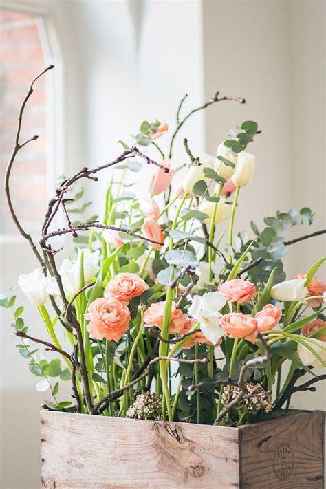 hochzeitsblumen tulpen und ranunkeln fruehling retro