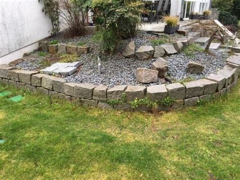 Granitsteine Für Trockenmauer In Grabenneudorf