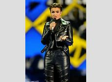 MTV EMA 2015 host Ruby Rose reveals why she's used a cane
