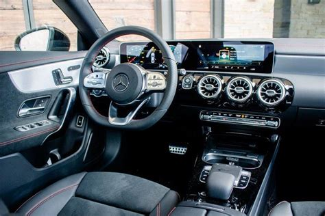 A modernized interior joins a solid and playful chassis. Hand rest for facelift 2020 glc missing ? - MBWorld.org Forums