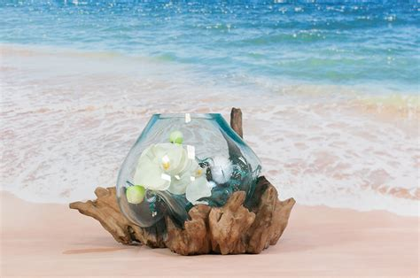 vase en verre vase en verre souffl 233 sur racine de teck vase design