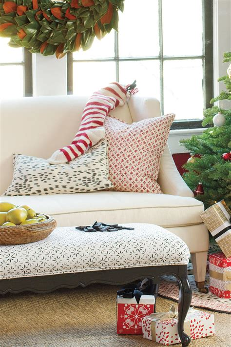 get the look traditional christmas get the look traditional christmas tree southern living