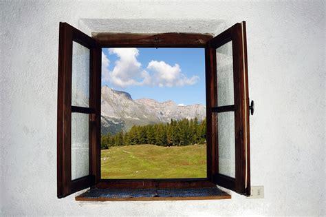 Offenes Fenster Bild by Don T Leave Windows Open Warns Saps Northglen News