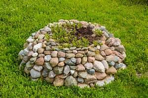 Beeteinfassung Selber Machen : beeteinfassung aus naturstein selber machen so gelingt 39 s ~ Yasmunasinghe.com Haus und Dekorationen