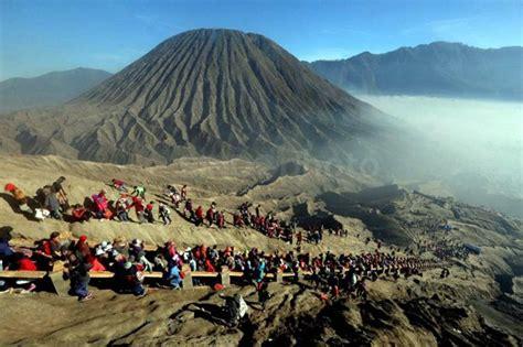 gunung bromo menjadi objek wisata terpopuler  jawa timur
