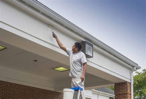 badezimmer anstrich dachüberstand streichen fachgerechte anleitung in 3