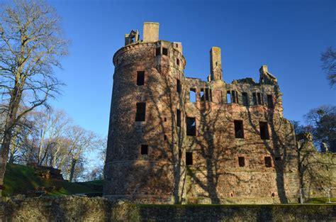 huntly castle   river deveron walkhighlands